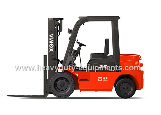 الصين Diesel Power Type Industrial Forklift Truck Energy Saving With Safety Alarm Light المزود