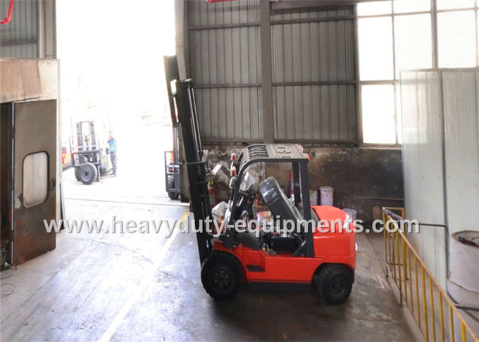 Low oil consumption forklift with improved performance equipment